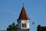 Drehleiter über den Dächern Bächingens