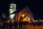 Beginn an der Kirche