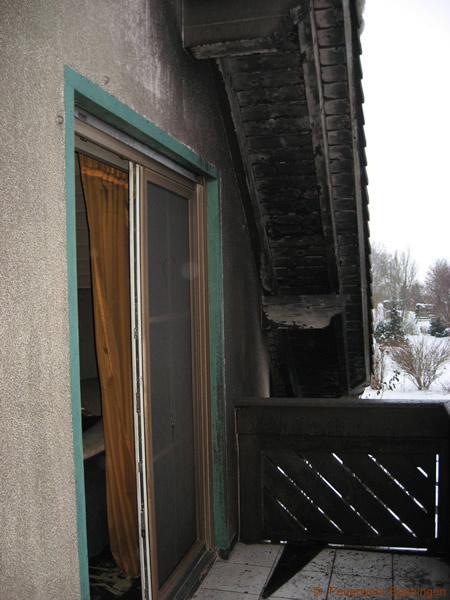 Hier wurde die Brandausbreitung auf das Dach in letzter Minute verhindert.